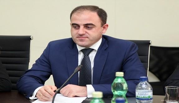Tiflis Belediye Başkanı Narmania'dan Özür