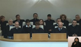 Gürcistan Parlamentosu 14 Hakimi Ömür Boyu Görev Yapmak Üzere Atadı
