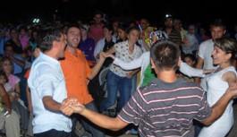 30 Ağustos Uzunçiftlik Konseri'nde Bayar Şahin