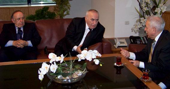 Türk-Gürcü Vakfı'ndaki Görüşme (Simon Zazadze-İsmet Acar-İulon Gagoşidze)