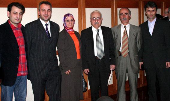 Türk-Gürcü Vakfı'ndaki Görüşme (Erdal Küçük-Bahattin Sarı-Hasibe Özkan-İulon Gagoşidze- Salih Yıldız-Nihat Özder)