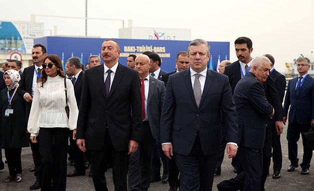 """Asırlık Proje """"Bakü-Tiflis-Kars Demiryolu"""" Açıldı"""